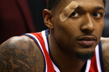 WASHINGTON, DC - NOVEMBER 20: Bradley Beal #3 of the Washington Wizards looks on after a collision on the court against the LA Clippers during the second half at Capital One Arena on November 20, 2018 in Washington, DC. (Photo by Will Newton/Getty Images)