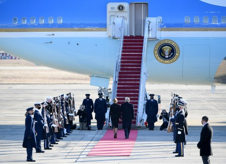 SUITLAND, MD - JANUARY 20: President Donald Trump and First Lady Melania Trump walk to board Air Force One at Joint Base Andrews in Suitland, MD on January 20, 2021. (Photo by Will Newton for The Washington Post)
